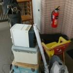 ワードローブ×2、下駄箱、籐の棚、学習机などを回収しました。