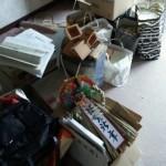 可燃ゴミ、食器・家具など