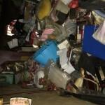大量のゴミが積もったゴミ屋敷の片付けと遺品整理